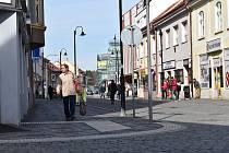První den karantény v ulicích Slaného.
