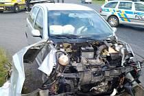 Nehoda Škody Fabie s náklaďákem u Třebíze