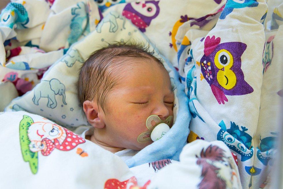 Oliver Herčík z Milovic se narodil v nymburské porodnici 5. ledna 2021 v 14:40 hodin s váhou 3910 g a mírou 54 cm. Prvorozený chlapeček bude vyrůstat s maminkou Kateřinou a tatínkem Janem.