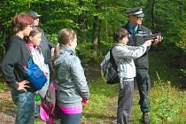 ADAMA, ADÉLU, JAKUBA A ANEŽKU z 8. základní školy ve Vodárenské ulici  nejvíce zaujala střelba z paintballové pistole.