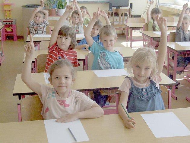 PŘEDŠKOLÁCI si zkusili jaké je být žáky první třídy v základní škole.