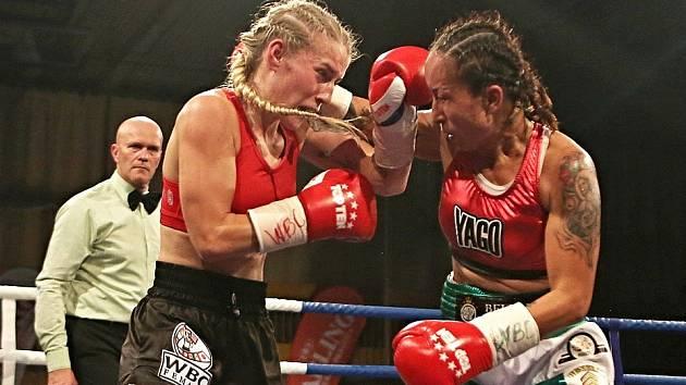 Fabiána Bytyqi (vlevo) získala s Mexičankou světový titul.
