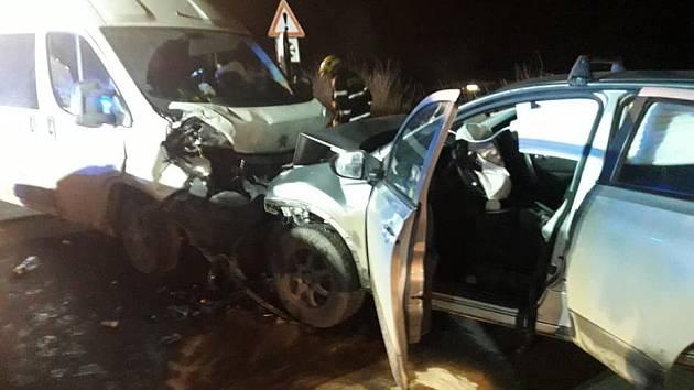 Dopravní nehoda přímo na sjezdu ze silnice 1/7 na Slaný a Smečno.