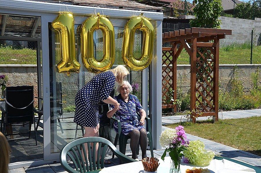 Oslava 100. narozenin Libuše Dubčákové.