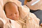 ADÉLA MRÁZKOVÁ, KLADNO. Narodila se 17. prosince 2017. Po porodu vážila 3,32 kg a měřila 49 cm. Rodiče jsou Zdeňka Janoušková a Tomáš Mrázek. (porodnice Kladno)