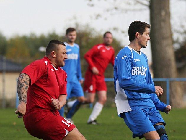 Sokol Braškov - SK Doksy 2:0, vlevo Miroslav Stuchlý, který rozhodl duel v Libušíně.