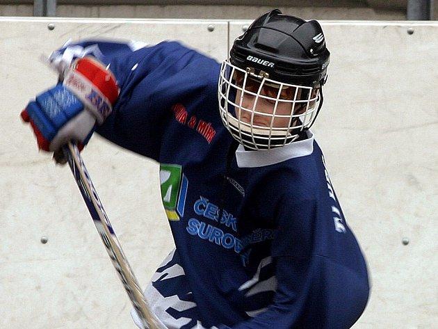 Starší žáci KEBu poprvé v historii kladenského hokejbalu postoupili do republikového finále.