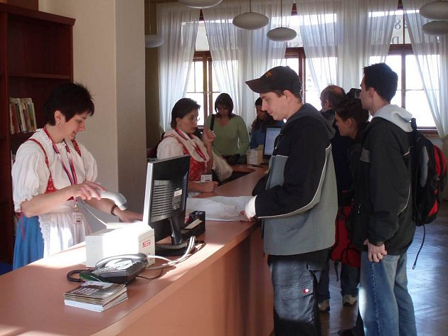 Netradičním způsobem se Středočeská vědecká knihovna v Kladně prezentovala návštěvníkům už v loňském roce.