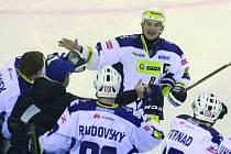 Libor Procházka slaví čtvrtý gól do sítě Sparty, svůj první v sezoně.