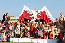 Mladý kníže Václav opět přijel na Budeč.