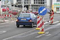 Jedno z dopravních omezení potkají řidiči u kina Sokol