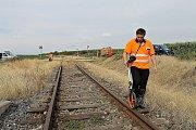 U Černuce se srazila dodávka s vlakem, řidič přežil.