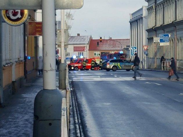 U Kina Sokol bourala dvě auta, dva lidé byli zraněni.
