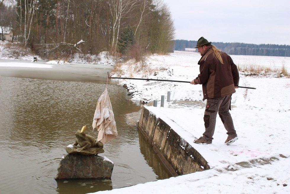 Po překvapení u rybníka se program přesunul do hostince U Růžičků.