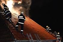 Objekt bývalého mlýna patrně někdo zapálil