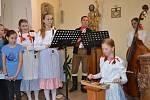 Festival v pátek zahájilo Floriánské zpívání a hraní v tuchlovickém kostele.