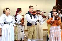 FOLKLORNÍ FESTIVAL TUCHLOVICKÁ POUŤ si za dosavadních dvacet let existence získal velké renomé.