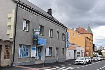 Vykradená prodejna ve Slaném na Pražské.