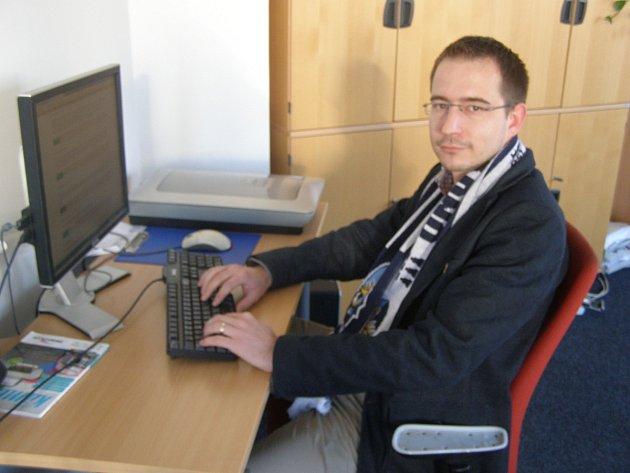Mluvčí hokejových Rytířů Kladno Vít Heral odpovídá na dotazy čtenářů přímo z redakce Kladenského deníku.
