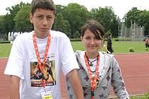 Studenti kladenského sportovního gymnázia Marek Lhoták a Kateřina Moulisová