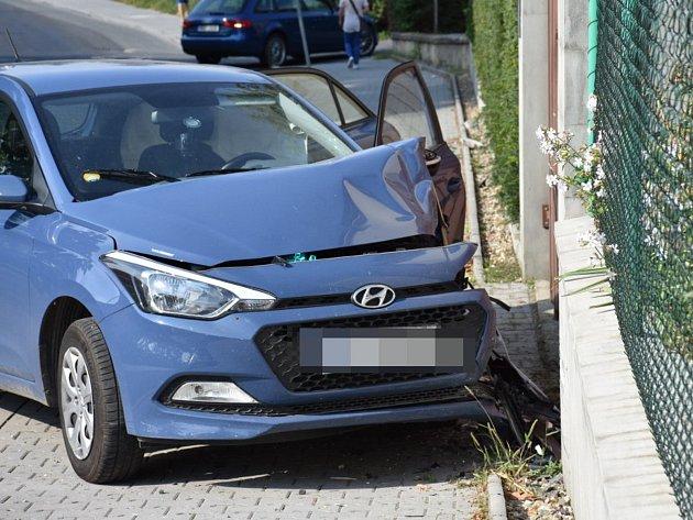 Ve Slaném se staly v pondělí ráno hned dvě nehody.
