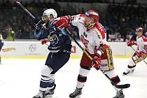 Hokejová extraliga, Kladno (v modrém) ve vánočním zápase hostilo Hradec Králové.