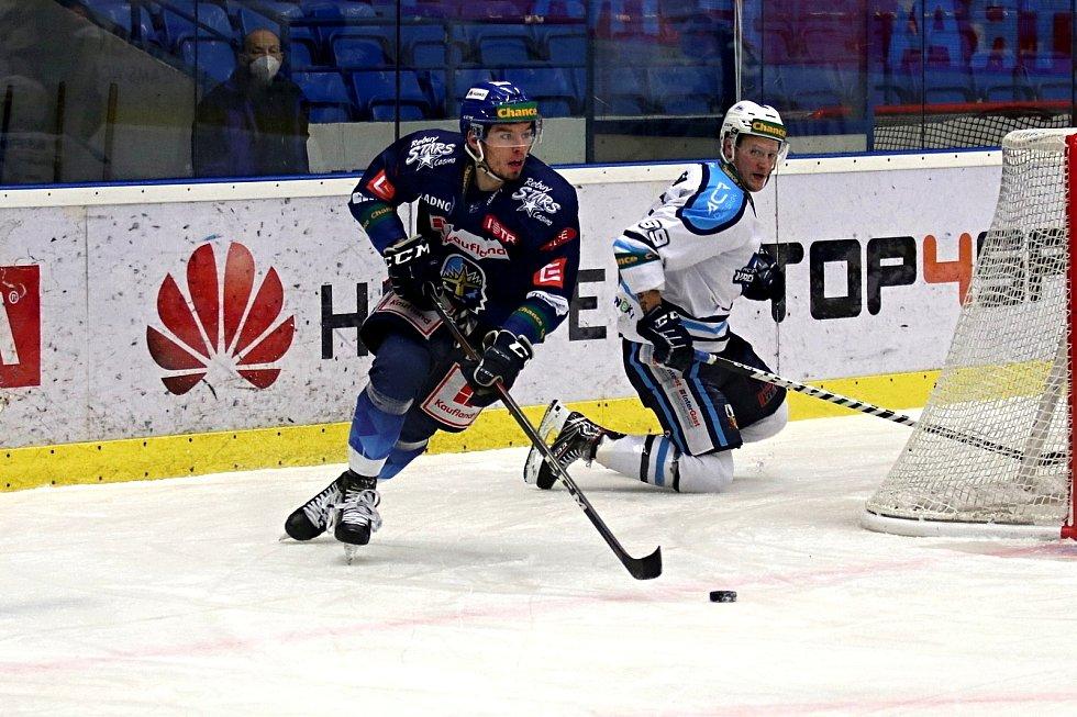Chance liga: Kladno (v modrém) hostilo v posledním kole základní části - Vrchlabí. Matyáš Filip
