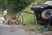 Přečerpávání asfaltu z havarované cisterny