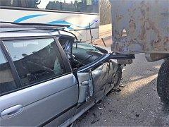 Nehoda se stala v pondělí ráno v Seifertově ulici v Kladně.