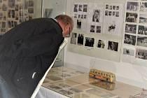 Výstava o ČSAD Slaný v Galerii Dobeška.