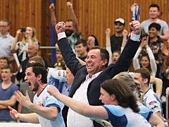 Kladno je ve finále! Postupová radost trenéra Milana Fortuníka byla obrovská / Kladno volejbal cz - Karlovarsko 3:0, semifinále EL volejbalu (stav 3:1), Kladno, 12.4.2018
