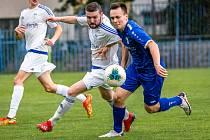 Slaný (v bílém) nečekaně porazilo v divizi Český Brod 2:0.