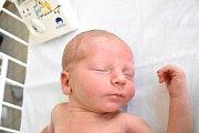 ADAM NYTRA, TŘEBUSICE. Narodil se 6. dubna 2018. Po porodu vážil 3,13 kg a měřil 48 cm. Rodiče jsou Kristýna a Michal Nytrovi. (porodnice Kladno)