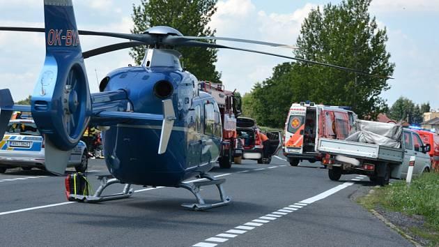 Vážná nehoda osobního auta a motocyklu se stala v úterý před polednem I/16 na křižovatce Slaný - Tuřany - Studeněves -Byseň