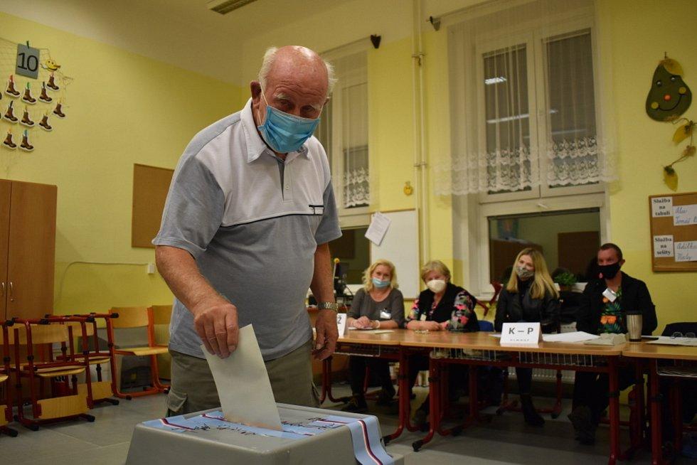 Volby do senátu v Kladně, II. kolo.