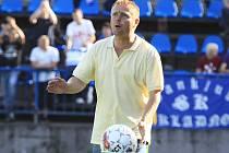 Stanislav Hejkal burcuje tým. //  SK Kladno - FC Zenit Čáslav 3:0 (1:0) , 2. kolo 2. liga fotbalu, hráno 8.8.2010