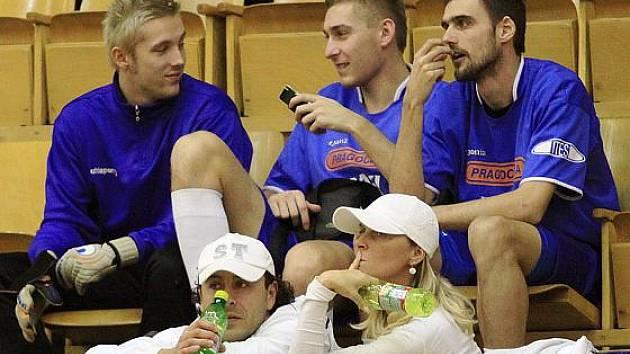 Vlašimské trio Toma, Kalabiška, Bálek - halový turnaj ve fotbale, r. 2009 - uspořádal Josef Fujdiar.