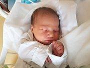 KAROLÍNA KOSINKOVÁ, KLADNO. Narodila se 28. listopadu 2017. Po porodu vážila 3,24 kg a měřila 47 cm. Rodiče jsou Marie Runátová a Karel Kosinka. (porodnice Kladno)