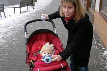 Andrea Lopatová se Kladenskému deníku svěřila, že porodila už v květnu. Proto se jí snižování peněžní pomoci v mateřství netýká a je za to velmi ráda.
