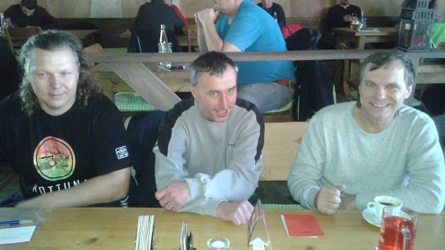 Na valné hromadě byli také Vladimír Novák a Petr Hájek ze Sokola, stejně jako Roman Nádherný ze Slovanu Velvary (zleva).
