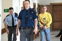 Za dokonanou vraždu poslal na 11 roků do věznice s ostrahou.