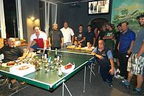 Noční turnaj ve stolním tenise v Kačiči
