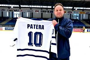 Pavel Patera byl kapitánem mistrů světa v roce 1999.