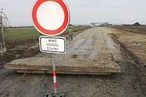 Budování přeložky silnice I/16 Slaný - Velvary.
