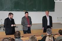 Snímek ze čtvrtého ročníku Regio Slanensis konaného tradičně v aule Gymnázia Václava Beneše Třebízského ve Slaném.