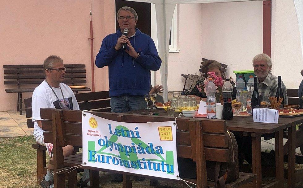 Čestný předseda Hnutí speciálních olympiád Vlastmil Harapes.