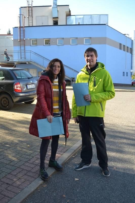 Volby v Tuchlovicích ve škole.