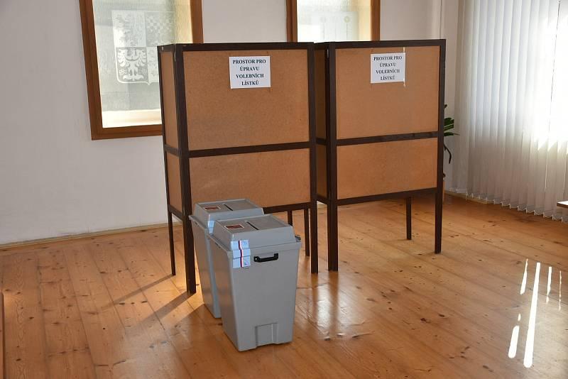 Parlamentní volby v Kačici, 8. října 2021.