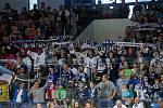 Kladno (v modrém) porazilo na úvod sezony Benátky 3:2 v prodloužení.