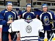 Petr Ton, Jiří Burger a Petr Tenkrát představují retro dres na speciální zápas Kladno - České Budějovice.